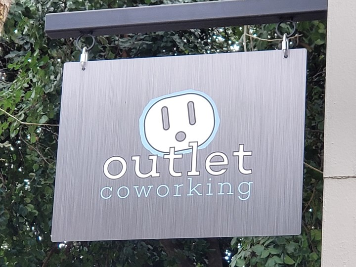 Outlet Celebrates its 4th Anniversary